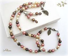 Pearl Necklace, Bracelet and Earrings Set £12.95