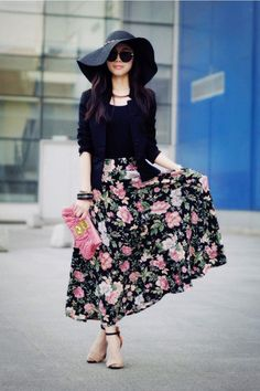 ideas for a patterned maxi skirt outfit.