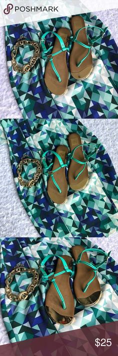 DV TEAL THONG FLAT SANDALS Gold accents make these POP!! PEDICURE READY!!!! Simple. Chic. dv Shoes Sandals