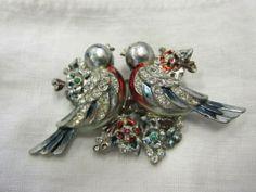 Vintage-1940s-Signed-CORO-DUETTE-Enamel-Rhinestone-Fur-Clip-Love-Birds-Brooch