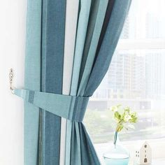 Made from a durable polycotton, these teal pencil pleat curtains are machine washable and come with tiebacks included....