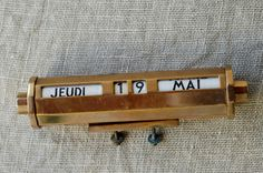 perpetual calendar / gold and black / French vintage by BOULOTDODO