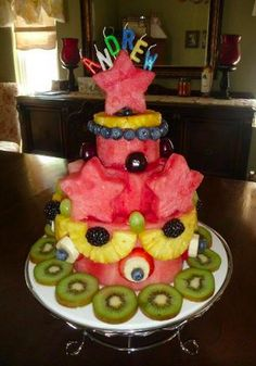 Natural Health & Healing God's Way: Healthy Birthday Cake decorating Ideas Cakes To Make, How To Make Cake, Cake Made Of Fruit, Fresh Fruit Cake, Fruit Cakes, Watermelon Cupcakes, Watermelon Ideas, Healthy Birthday Treats, Fruit Birthday Cake