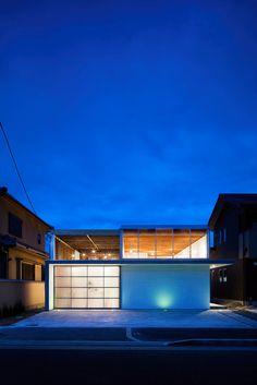 Garage Terrace House by Yoshiaki Yamashita Architects & Associates
