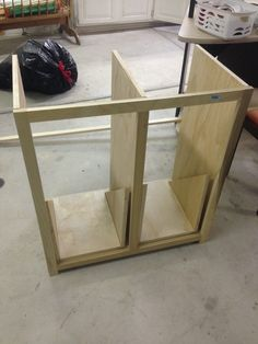 DIY Trash Can Cabinet Projects Instructions - New ideas Garbage Storage, Garbage Recycling, Recycling Bins, Recycling Center, Storage Bins, Easy Woodworking Projects, Wood Projects, Tilt Out Laundry Hamper, Laundry Hamper Cabinet