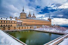 El Escorial con nieve (San Lorenzo de El Escorial, Comunidad de Madrid)