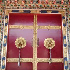 #beautiful #door #decoration #colourful #nyingmapa #buddhist #monastery #coorg #karnataka #india