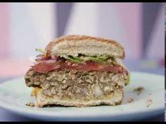 Les recettes d'aucy - Burger de lentilles #InfoWebAgro Flute Champagne, Cookies Et Biscuits, Salmon Burgers, Sandwiches, Ethnic Recipes, Food, Lap Tray, Lentils, Essen