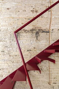 Image 13 of 19 from gallery of De la Conserva House / Jose Costa. Photograph by Milena Villalba Luz Natural, Stairs Architecture, Architecture Details, Staircase Handrail, Staircases, Winter Living Room, Inside Garden, Hawaii Homes, Keep The Lights On