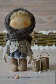 Купить или заказать куколка малышка Маруська в интернет-магазине на Ярмарке Мастеров. Маленькая душевная куколка родом из детства. Зовут Маруськой ) Сшита из хлопка, пальтишко из винтажной шерстяной ткани, на голове вязаный пуховый платочек, варежки пуховые, на ножках валеночки ручной работы.