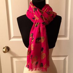 American Eagle Scarf American Eagle floral scarf. Hot pink. Small run. Not noticeable when wearing. American Eagle Outfitters Accessories Scarves & Wraps