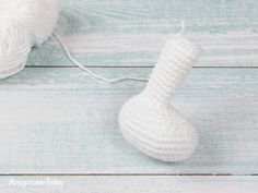 The Pretty Bunny Amigurumi Pattern will help you to create a crochet toy with a lot of cute details. This lovely amigurumi bunny is an ideal Easter gift! Crochet Bunny Pattern, Easter Crochet Patterns, Crochet Dolls Free Patterns, Crochet Rabbit, Baby Afghan Crochet, Crochet Baby Booties, Crochet Toys, Frozen Crochet, Crochet Basics