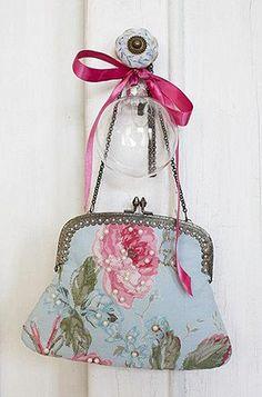 Vintage bag- for a summer evening out