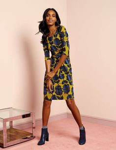 Love the print and silhouette... I like this mustard color!