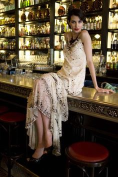 1920's Style - love the dress