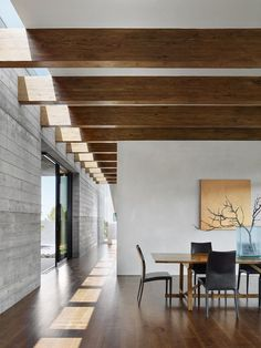 Kitchen Interior Design Gallery of Sundial House / Specht Architects - 22 - Image 22 of 25 from gallery of Sundial House / Specht Architects. Photograph by Casey Dunn Luxury Homes Interior, Interior Architecture, Interior And Exterior, Kitchen Interior, Bathroom Interior, Decor Interior Design, Interior Decorating, Decorating Bathrooms, Decorating Kitchen