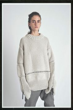 The complete Alyx Resort 2018 fashion show now on Vogue Runway. Pullover Design, Sweater Design, Knitwear Fashion, Knit Fashion, Fashion News, How To Purl Knit, Knit Picks, Fashion Show Collection, Knitting Designs