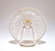 """1919 R. Lalique, """"Paquerettes"""" Tiara Perfume Bottle : Lot 217"""