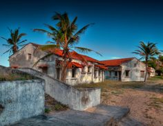 This photo is of the abandoned Pomene Hotel in Mozambique. One can imagine what this hotel was like in the hey-day. Mauritius, Maldives, Beaches In The World, Honeymoon Destinations, Travel List, Seychelles, Africa, Island, Mansions