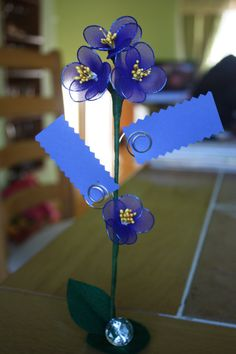 Blue place card holder (SAMPLE ONLY), wedding favors, decoration, name tags, notes holder, nylon flowers
