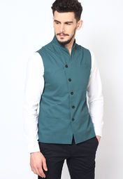 Look your best at a party tonight wearing this blue coloured waistcoat for men from the house of I Know. Made from cotton, this regular-fit waistcoat will keep you comfortable all day long. Team it with black coloured trousers and get ready to fetch compliments.