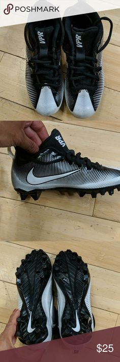 d58f97bad Nike boys soccer cleats size 2 youth Nice pair of soccer cleats