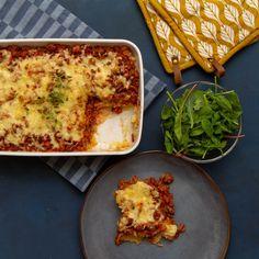 Spicy kjøttform med potetmos Lasagna, Quiche, Nom Nom, Spicy, Food And Drink, Breakfast, Ethnic Recipes, Beer, Morning Coffee