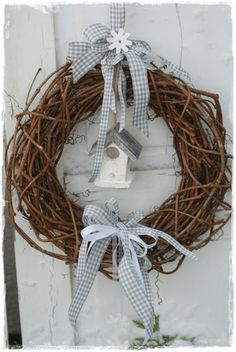 Station 88 Door Wreaths, Grapevine Wreath, Christmas Advent Wreath, House Entrance, Bird Houses, Wraps, Easter, House Styles, Granny Flat