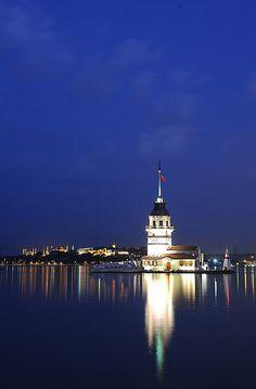 Maiden's Tower(Turkish: Kız Kulesi), Istanbul, Turkey