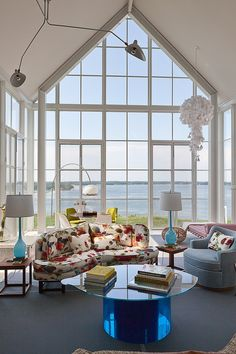 Contemporary waterfront house designed by Michael Haverland Architect located on the highest point of Shelter Island (New York)