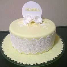 Bom dia, delicado bolo para uma cliente especial Dr Isabel Ribeiro.