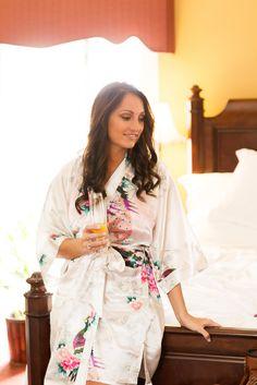 Jekyll Island Club Hotel Wedding | Bride getting ready, mimosa, robe