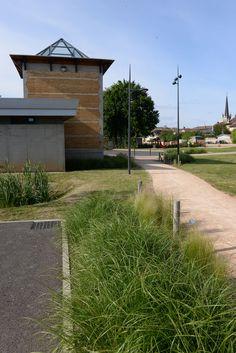 """Salle des fêtes - Fareins -  Exposition """"Prises de vues points de vue : 25 ans d'architecture publique dans l'Ain"""""""