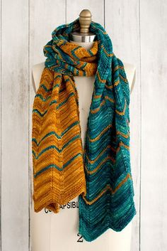 Ravelry  Dentado Scarf pattern by Lisa R. Myers Gorro 8fb60ac33aa