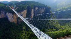 Die längste und höchste Glasbodenbrücke der Welt. | Bildquelle…