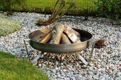 Lagerfeueratmosphäre mit Feuerschalen als Feuerstelle Garten