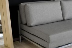 Willy sofa bed with slide-out base
