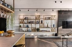 Apartment In An Old Established Building In Tel Aviv - Picture gallery room Modern Home Living Room, Interior Design Living Room, Living Room Designs, Living Room Decor, Interior Architecture, Tel Aviv, Decoration, House Styles, Interiors