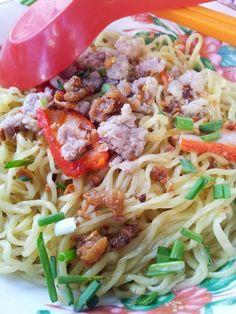 (Kuching's) Kolo Mee Noddle Recipes, Kuching, Food Staples, Spaghetti, Lunch, Asian, Meals, Dinner, Breakfast