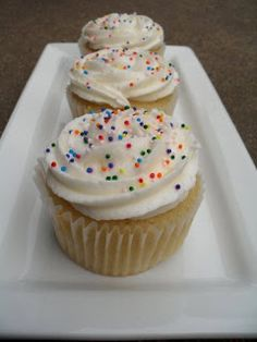 Dairy-Free White Cupcakes with pic