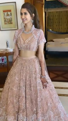 Indian Wedding Gowns, Party Wear Indian Dresses, Party Wear Lehenga, Indian Gowns Dresses, Indian Bridal Outfits, Indian Fashion Dresses, Indian Designer Outfits, Indian Bridal Fashion, Wedding Lehenga Designs