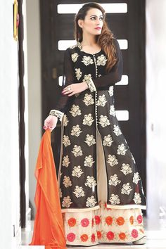 #Black & #cream georgette #sophisticated #kameez with #semi chinese #collar -SL3972 - #Salwars - What's #New #elegant #ravishing #gorgeous #latest #cool #design #flower #print #beautiful #lovely #collection #best #dress #material #fabrics #suit #ladies #outfit