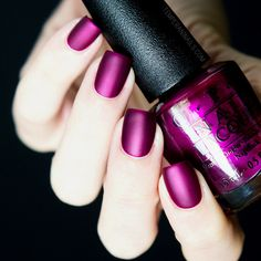 Nailpolis Museum of Nail Art | OPI Matte top coat and OPI Kiss Me - Or Elf Swatch by Temperani Nails