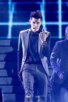 EXO Kris - Wu Yi Fan ah i wish i can see him on stageee in the exo concert♡