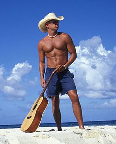 Kenny Chesney, fittest man in country music!