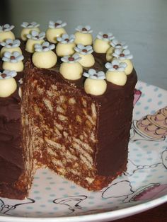 The Royal Wedding Cake Recipe (Royal Chocolate Biscuit Cake) No Bake Desserts, Easy Desserts, Delicious Desserts, Sweet Desserts, Romanian Desserts, Romanian Food, Romanian Recipes, Chocolate Biscuit Cake, Alcohol Cake