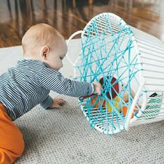 Montessori napady Montessori napady The post Montessori napady appeared first on Toddlers Ideas. Toddler Learning Activities, Baby Learning, Infant Activities, Preschool Activities, Baby Sensory Play, Baby Play, Baby Kids, Montessori Baby, Infant Classroom
