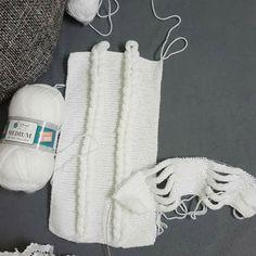 Üçgen panço nasıl örülür? - Hobiler - Hobiler Baby Knitting Patterns, Loom Knitting, Smokey Eye For Brown Eyes, Wie Macht Man, Crochet Baby Booties, Buy Tickets, Free Crochet, Create, Moda Masculina