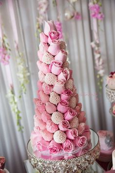 Beautiful Pink Roses and chocolate coated strawberry tower. Beautiful Pink Roses, Beautiful Cakes, Amazing Cakes, Strawberry Tower, Strawberry Delight, Strawberry Cakes, Chocolate Covered Strawberries, Princess Birthday, Pretty Cakes