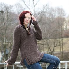 Lady of the Forest is a simple and practical sweater with splits at the sides and raglan sleeves. It's an easy knit, even for novices, and it is guaranteed to get you loads of compliments. Pattern available in Norwegian and English.